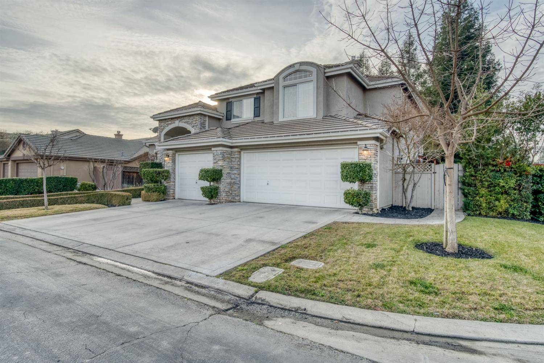 Homes for sale - 10249 N Pierpont Circle, Fresno, CA 93730 – MLS#55...