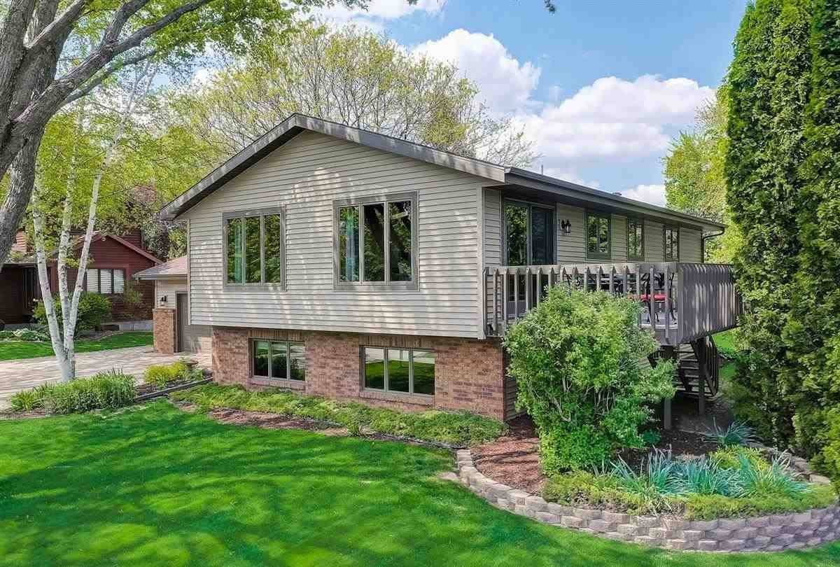 $349,900 - 1408 Dover Dr, Waunakee, WI 53597 – MLS#1908915 - ...
